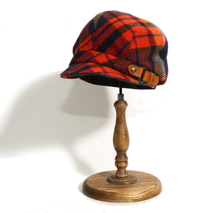 バーバリーブルーレーベルよりキャスケットタイプの帽子をご紹介します。 大胆で暖かみのある配色のチェック柄が可愛らしいアイテムです。 詳細はこちら>http://bbl-shop.com/?pid=83226462