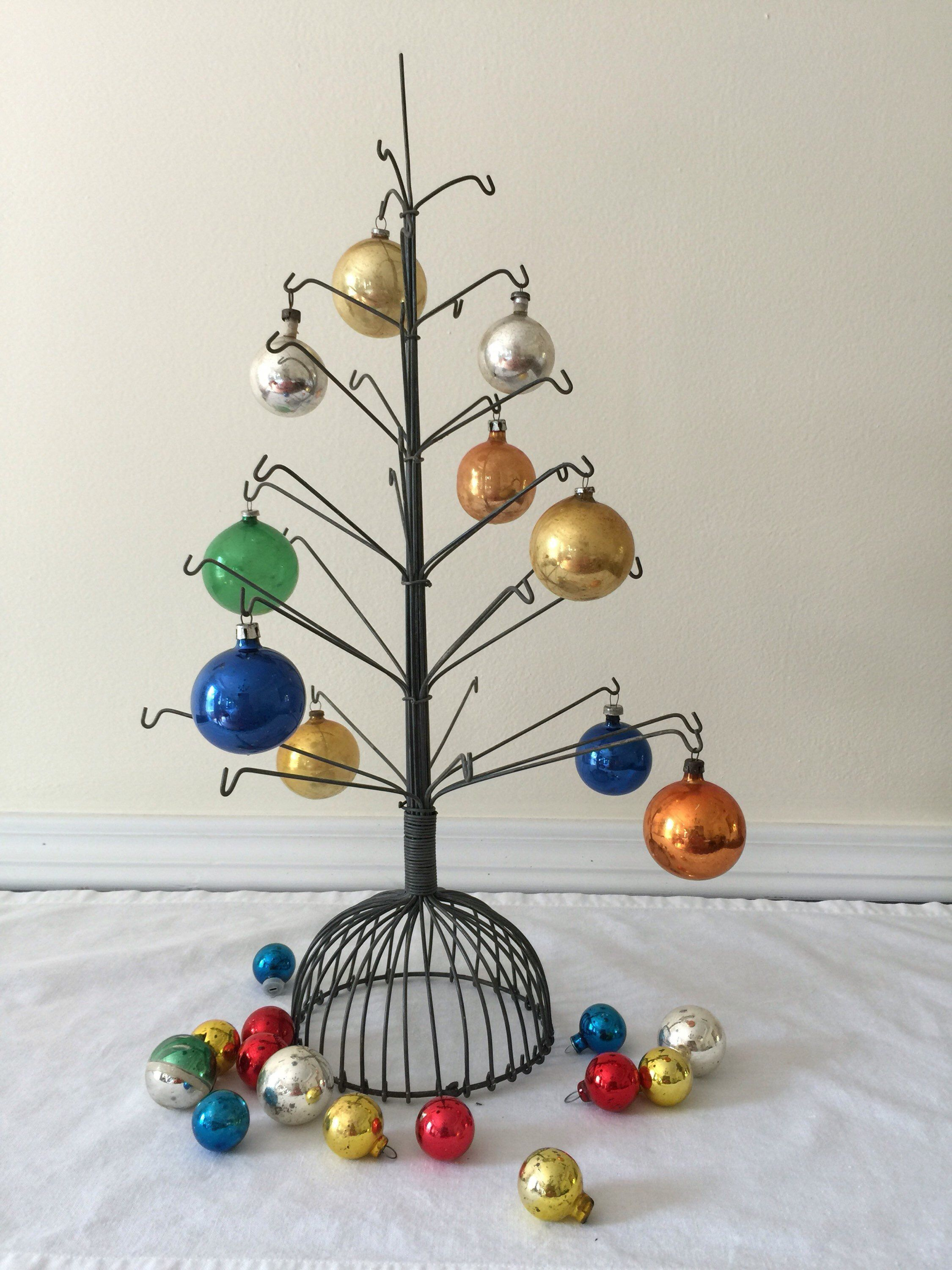 Vintage Wire Tree For Ornament Display Etsy Ornament Display Ornament Tree Display Wire Ornaments