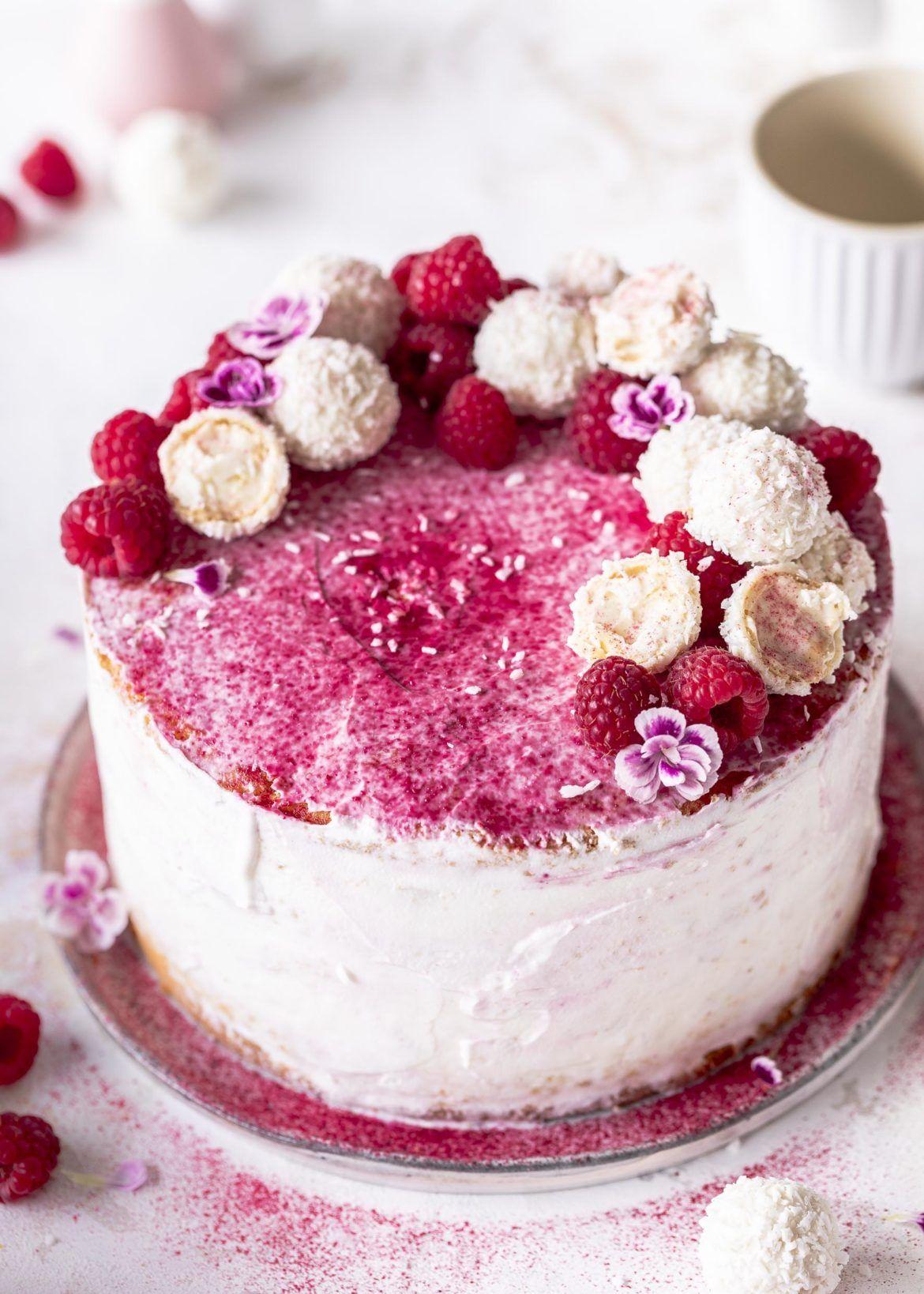 Himbeer Raffaello Torte Ohne Gelatine Emma S Lieblingsstucke Rezept In 2020 Raffaello Torte Kuchen Und Torten Rezepte Himbeeren