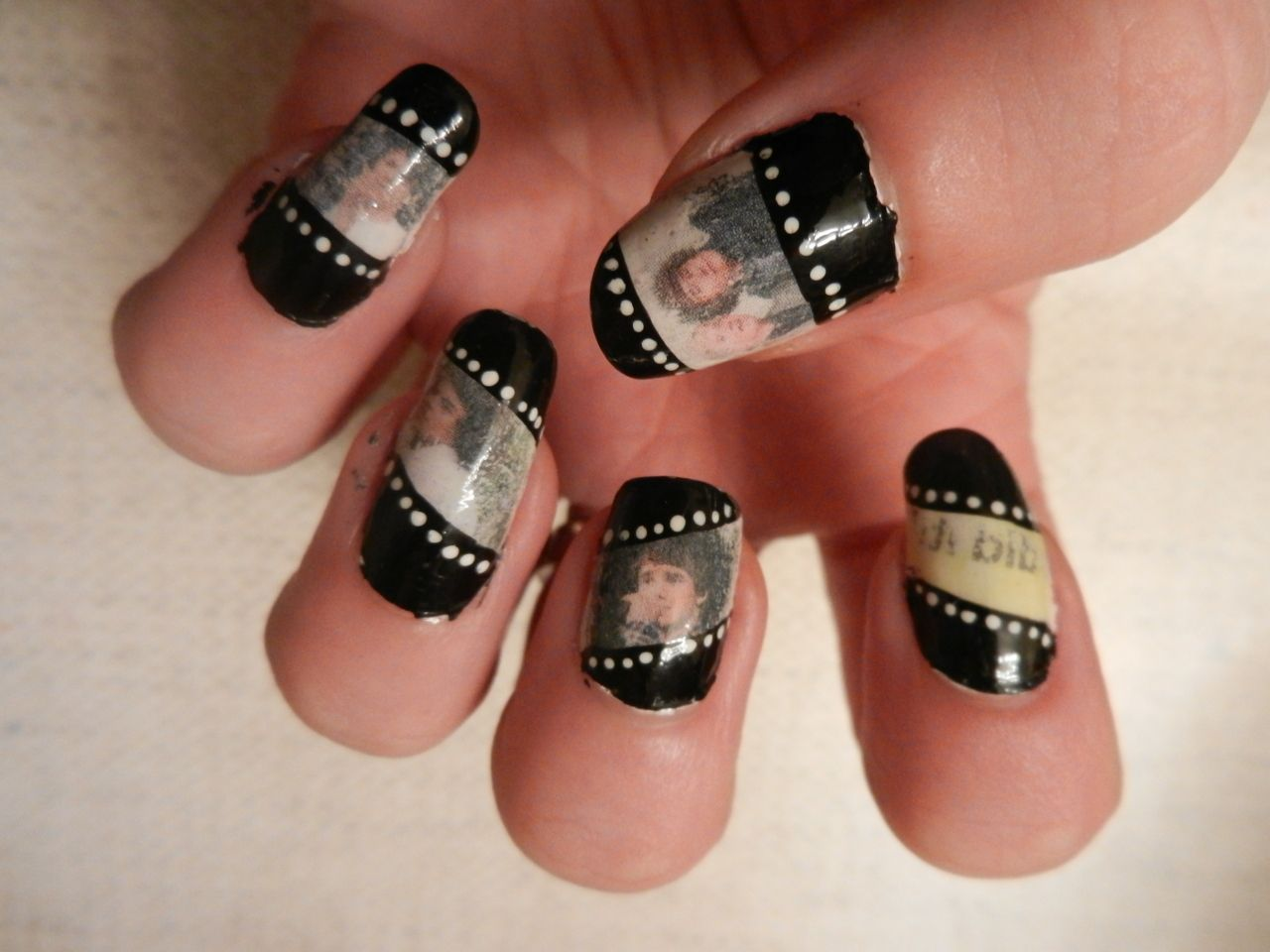 creative nail tape movie | *<3nails<3* | Pinterest | Buscar con ...