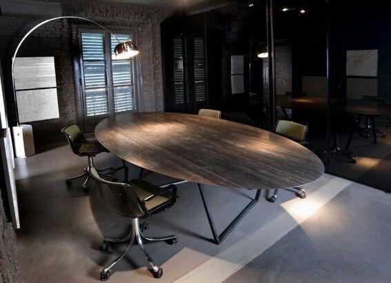 Dritto dining table designed by Piero Lissoni and Salvatori in Lithoverde Pietra D'Avola.