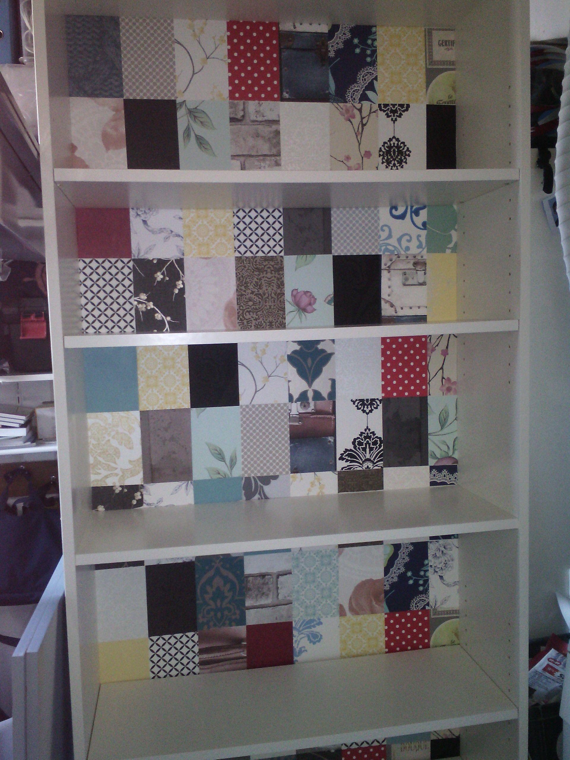 Billy boekenkast -achterwand met stukjes behang uit de doe het zelf ...