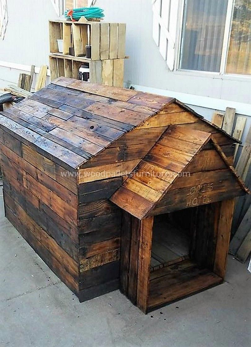 Used Wood Pallet Dog House Doghouses With Images Pallet Dog