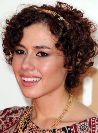 20 Amazing Hairstyles For Curly Hair For Girls Hairstyles For