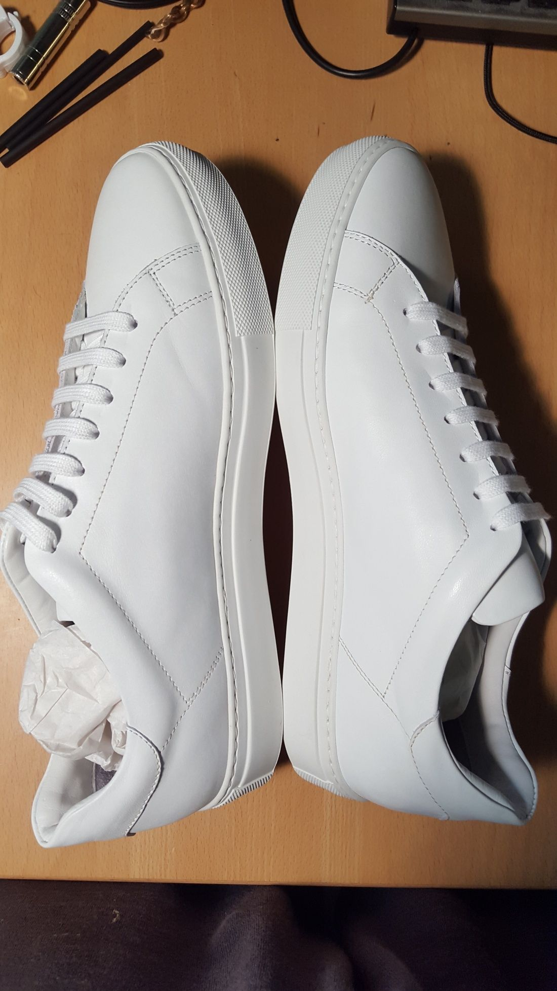 0843387f6cd6 Svensson Classic Low White Size 9  225 - Grailed