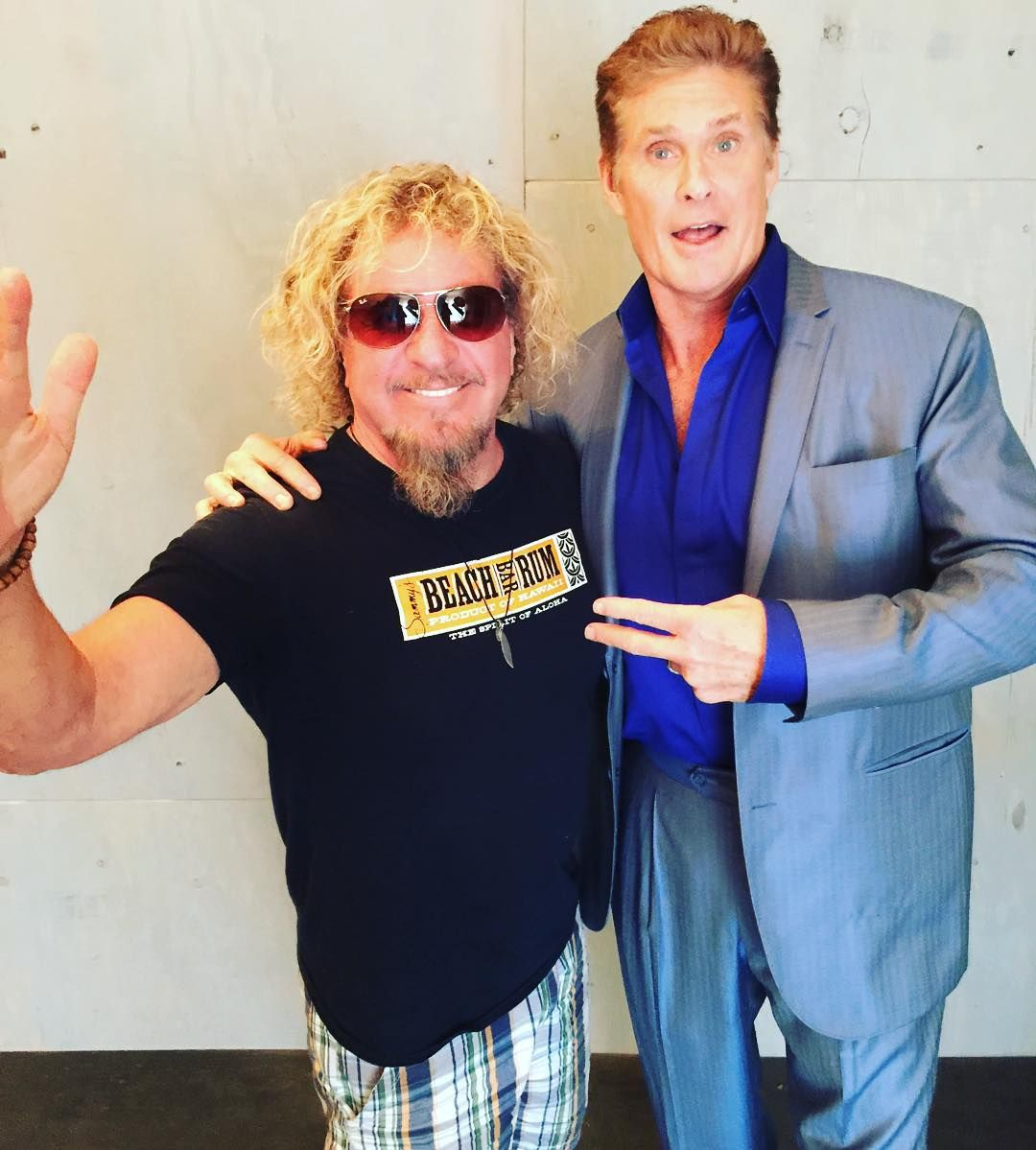 Don T Hassle The Hoff Ran Into My Old Buddy At The Axstv Promos On The Way Home From Cabo Which Is Where I Saw Him Last In A Speedo Nice Shorts