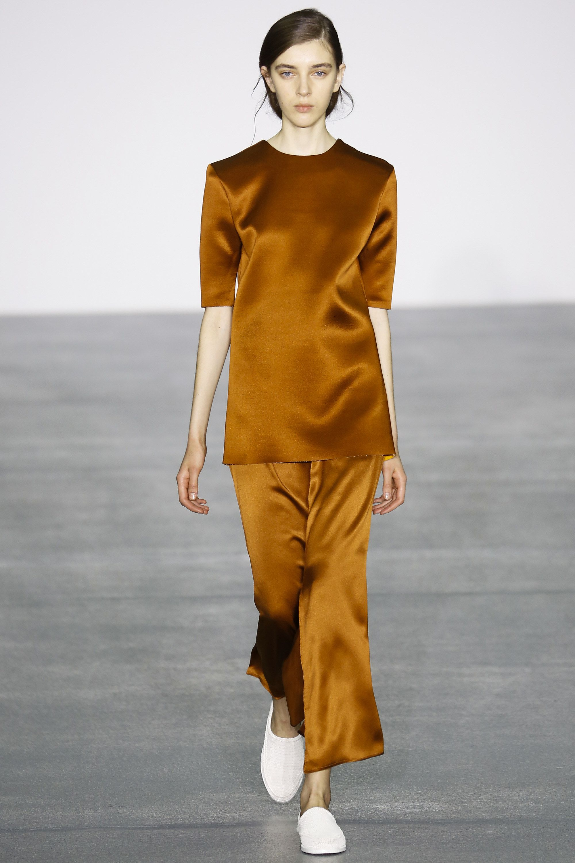 1205 Fall 2016 Ready-to-Wear Fashion Show  Diversity for this 1205 show was very poor   http://www.theclosetfeminist.ca/  http://www.vogue.com/fashion-shows/fall-2016-ready-to-wear/1205/slideshow/collection#11