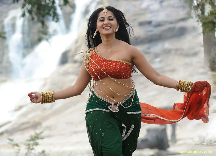 20 Latest Sexy Images Of Anushka Shetty, The Most Wanted