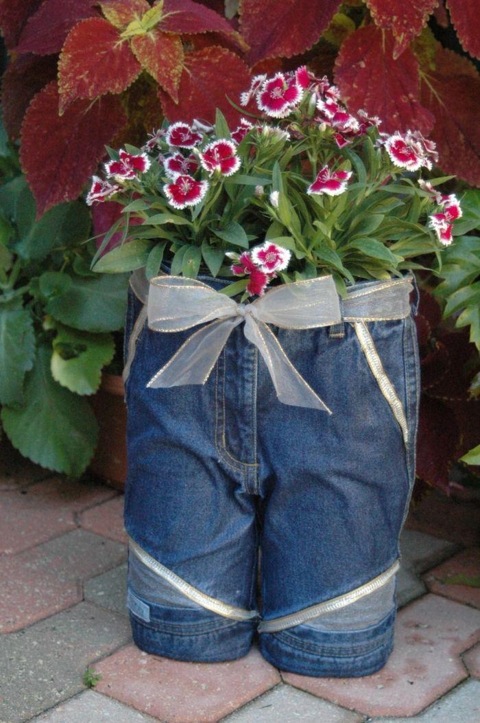 gartenideen kreative gartenideen blumen jeans   gartenideen, Terrassen ideen