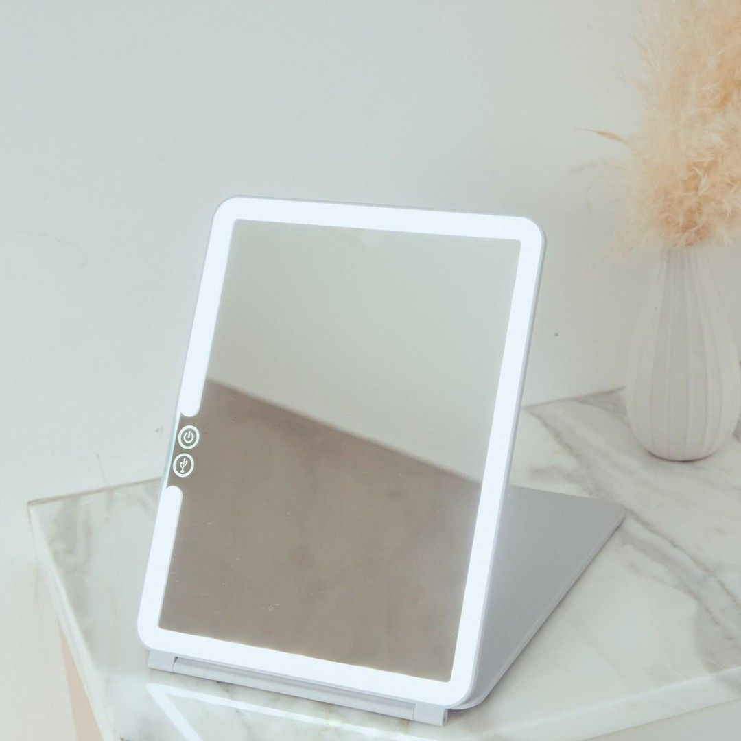 Pose Led Travel Mirror In 2020 Travel Mirror Travel Makeup