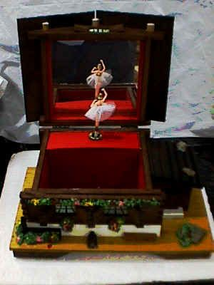 Music Boxes Antique Music Box Dancer Beautiful Vintage Swiss