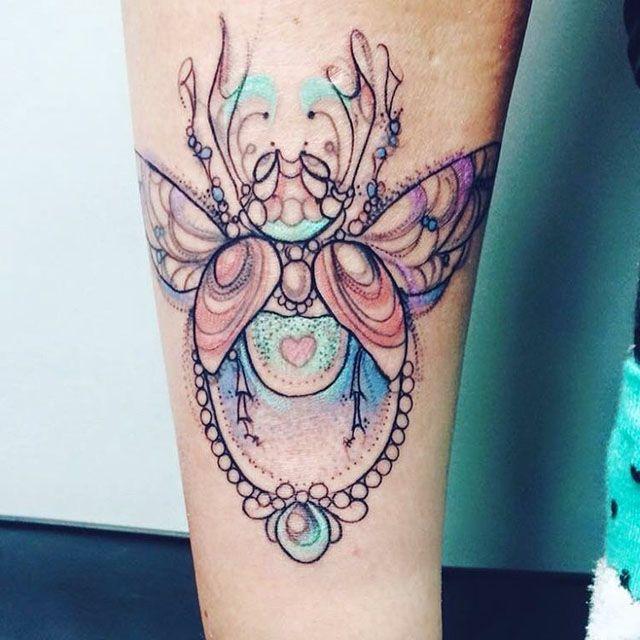 love bug tattoo best tattoo ideas gallery tattoo designs of bugs pinterest symmetrical. Black Bedroom Furniture Sets. Home Design Ideas