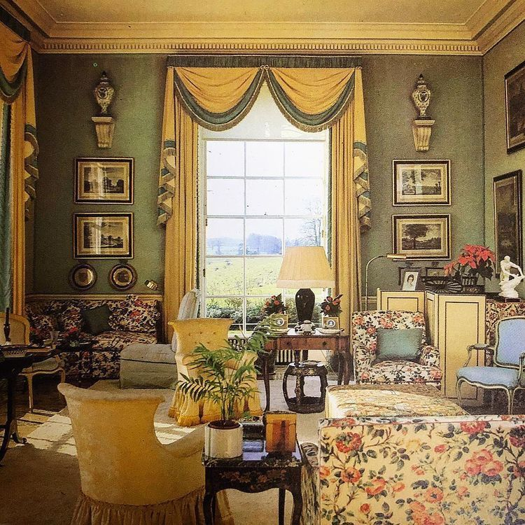 Victorian Living Room: Country House Interior Image By Matilde Muñoz On Casa