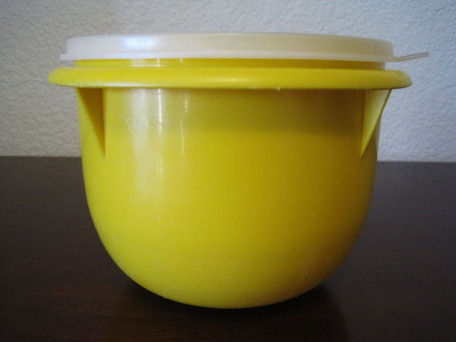Yellow Tupperware 4 Cup Mixing Bowl – Vintage Tupperware #270 with ...