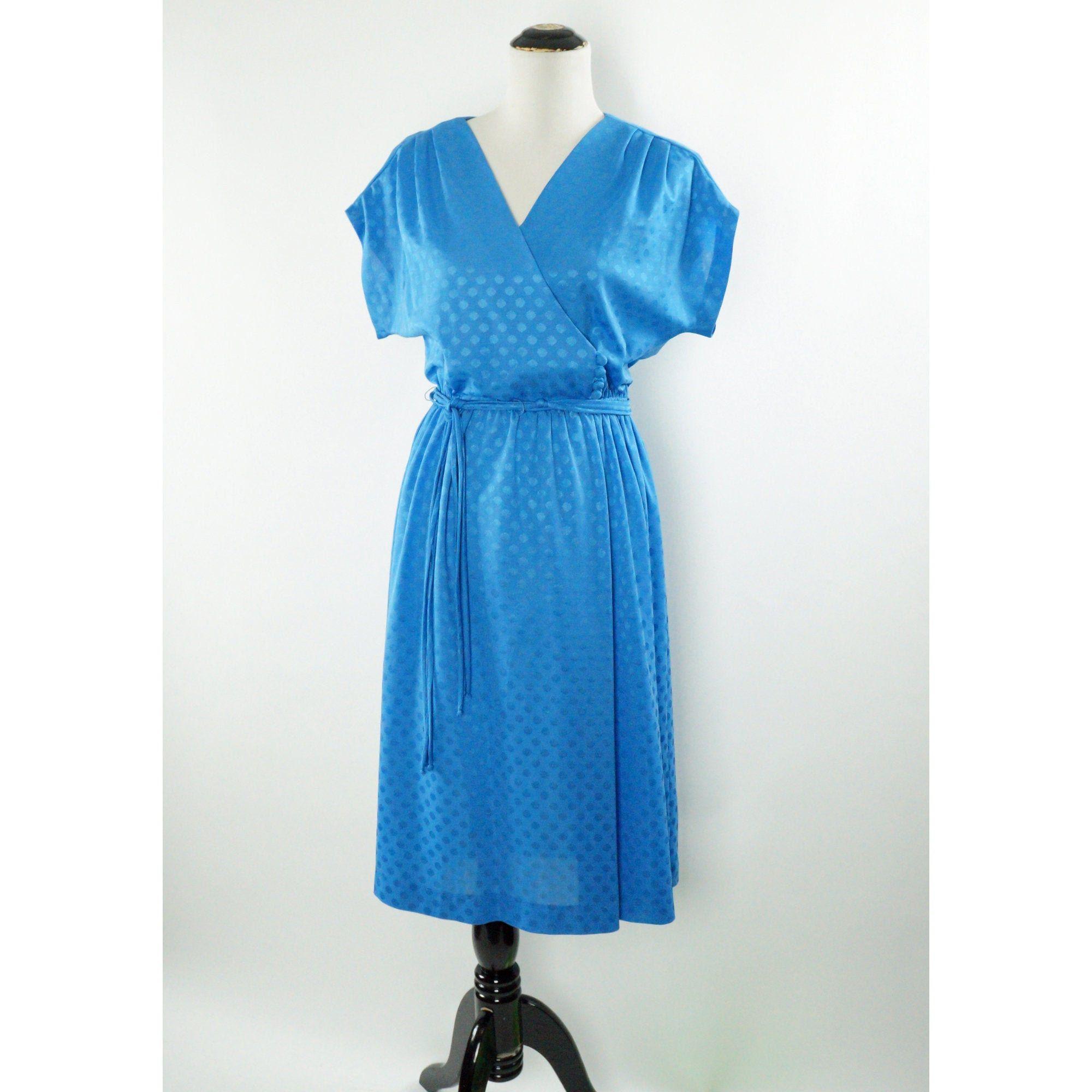 Vintage Wrap Dress 70s Blue Polka Dots Belted Tie Waist Etsy Vintage Wrap Dress Wrap Dress Vintage Wraps [ 2000 x 2000 Pixel ]