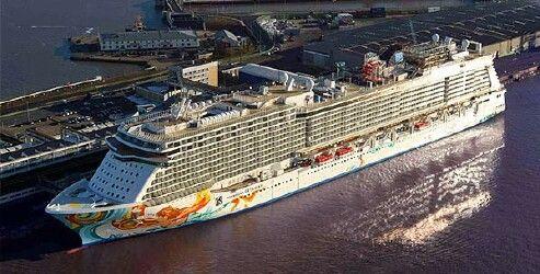 Norwegian Getaway Webcams Norwegian Getaway Bridge Forward - Cruise ship live webcams