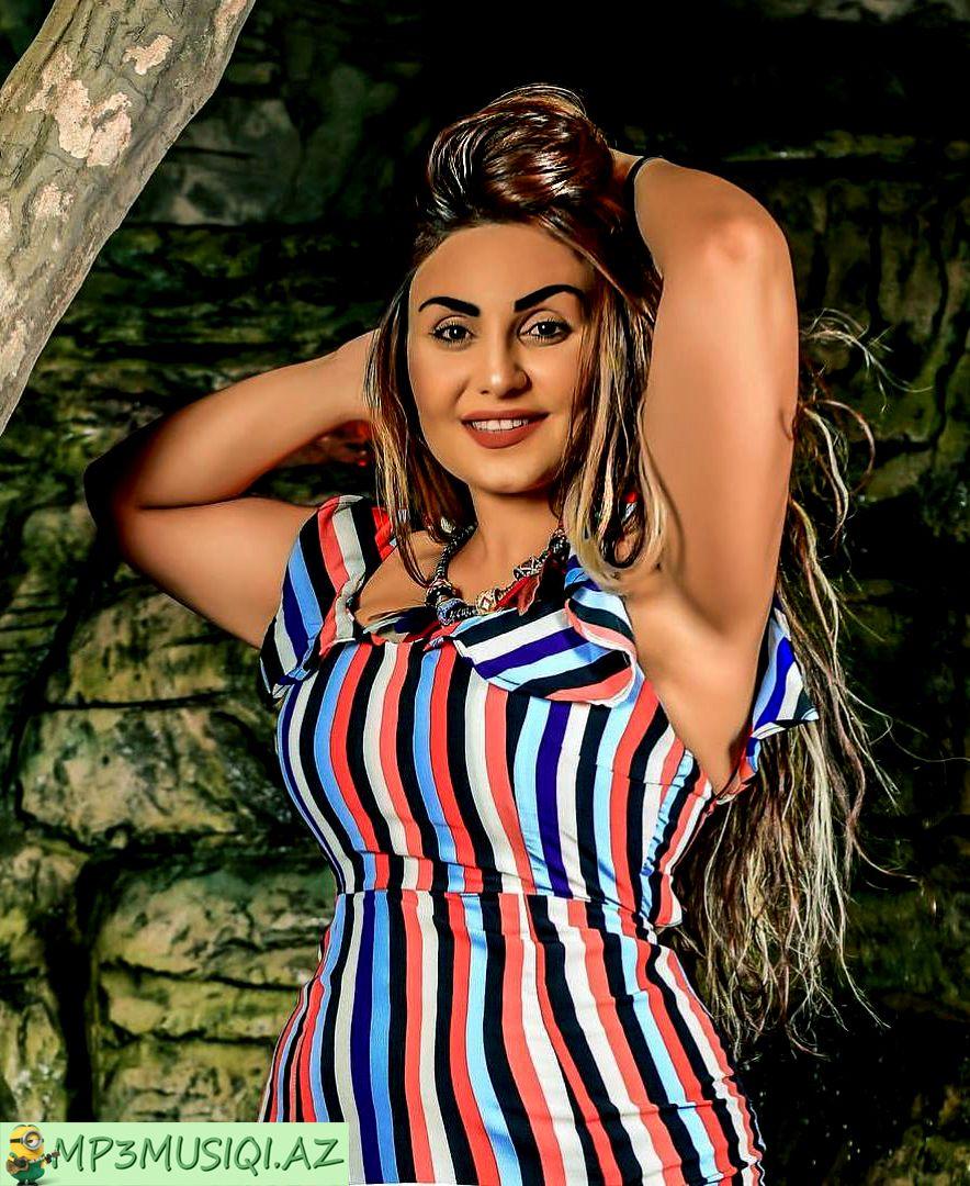 Səbnəm Tovuzlu Fashion Ariel Winter Swimwear