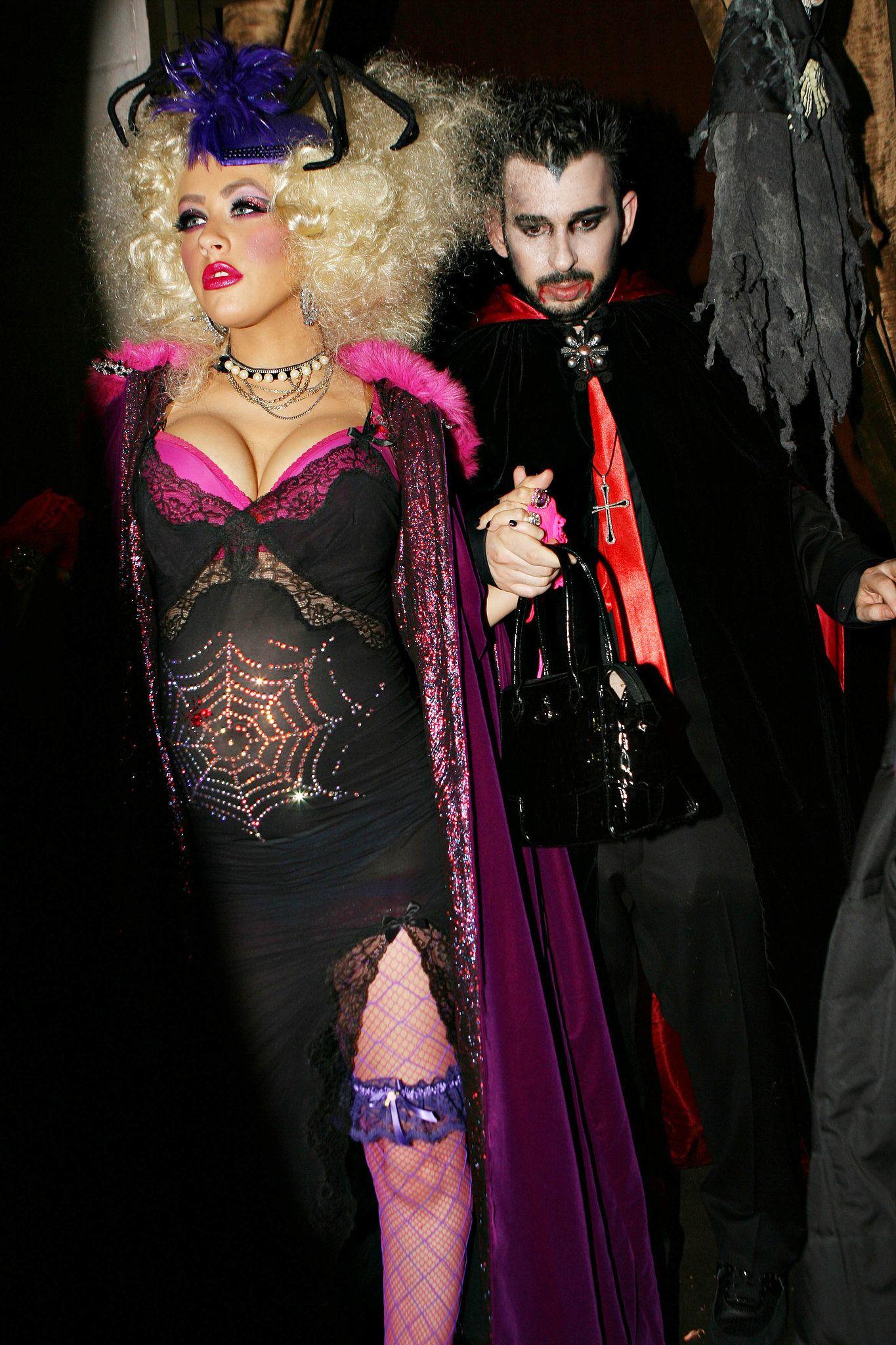 christina aguilera and jordan bratman as a spider woman and dracula - Christina Aguilera Halloween