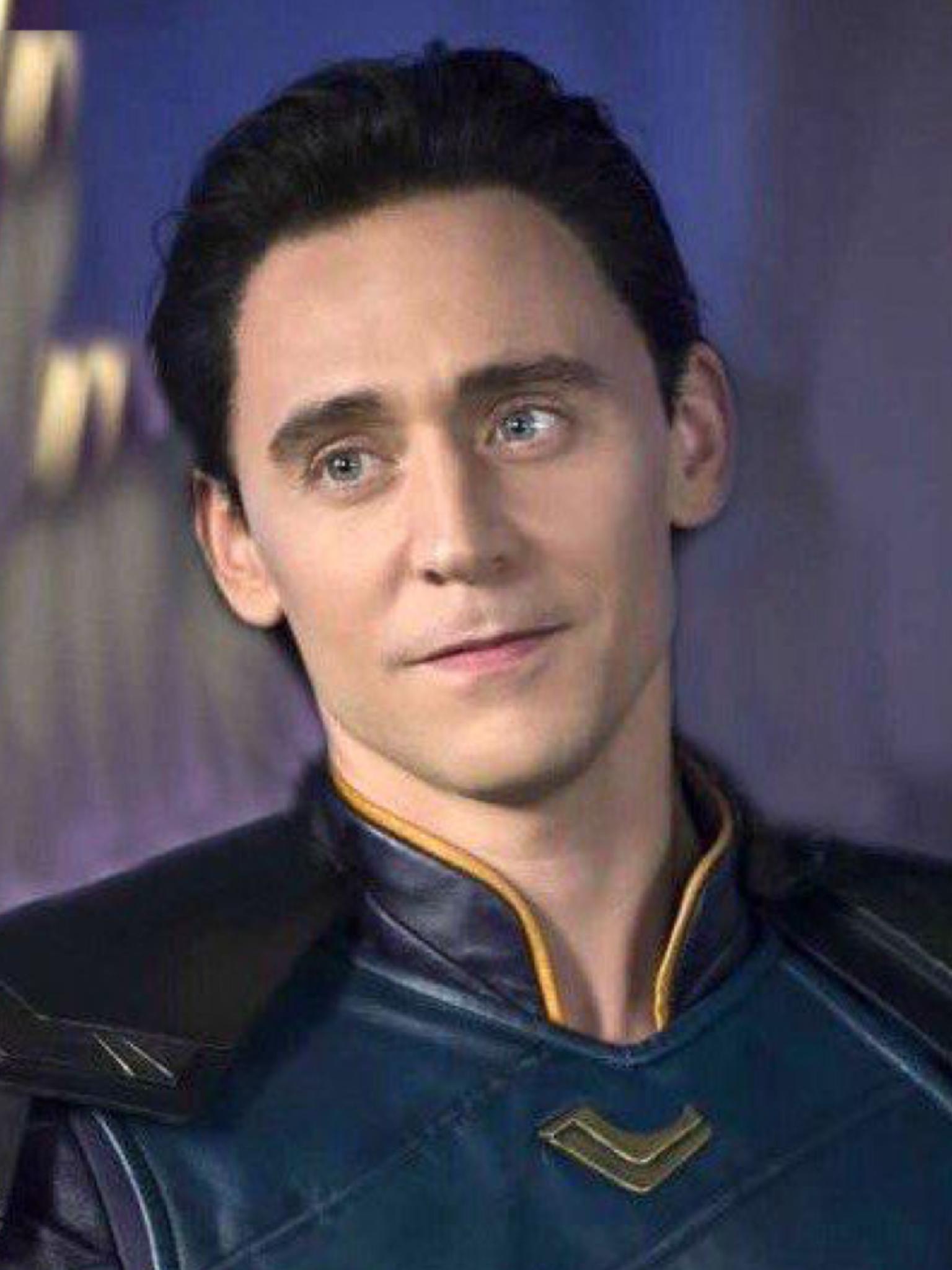 Loki With Short Hair Doesn T Look The Same Loki We Know And That Terrifies Me Loki Marvel Loki Fanart Loki Art