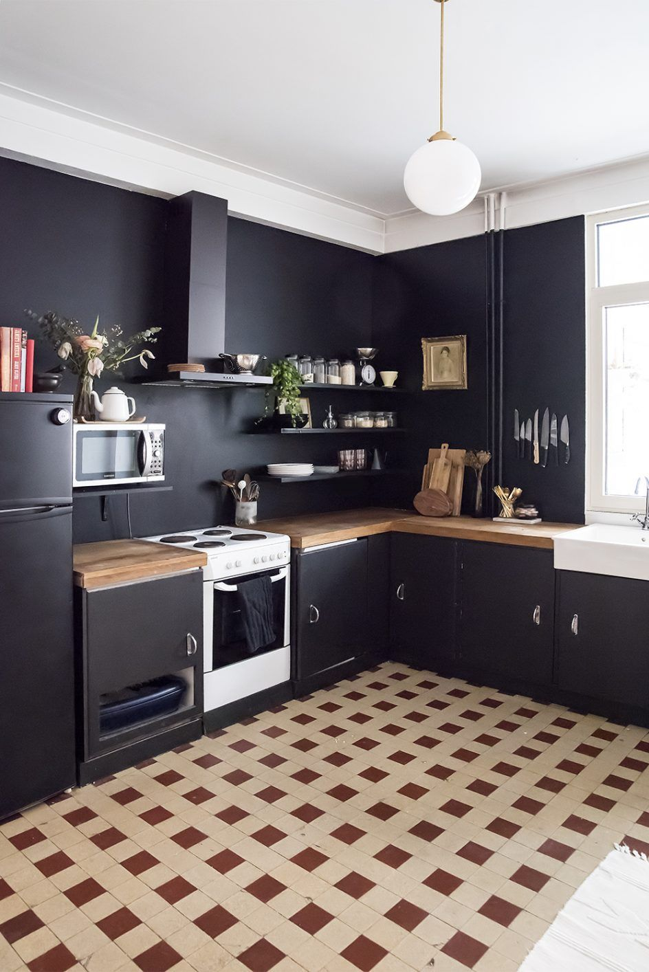 20 Kitchen Wall Ideas Elegant Wood Paneling In Decorating Kitchen Wall Timeless Kitchen Kitchen Interior Black Kitchens