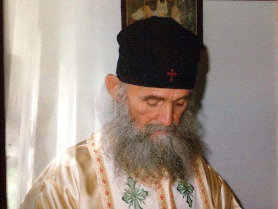 ΓΕΡΟΝΤΑΣ ΕΦΡΑΙΜ ΑΡΙΖΟΝΑΣ : Ένα καλογεράκι έχτισε 20 μοναστήρια ...