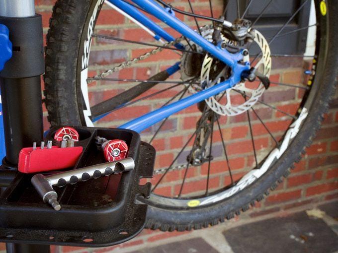 Mini Bar And Barstow Chain Tool Set