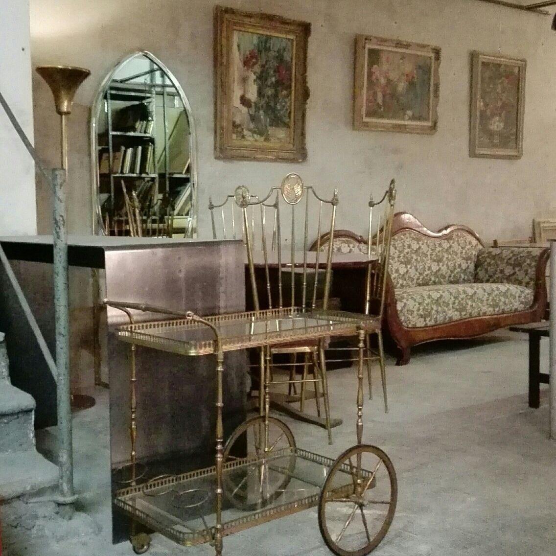 Classicismo magazzino76 viapadova milano for Arredamento modernariato