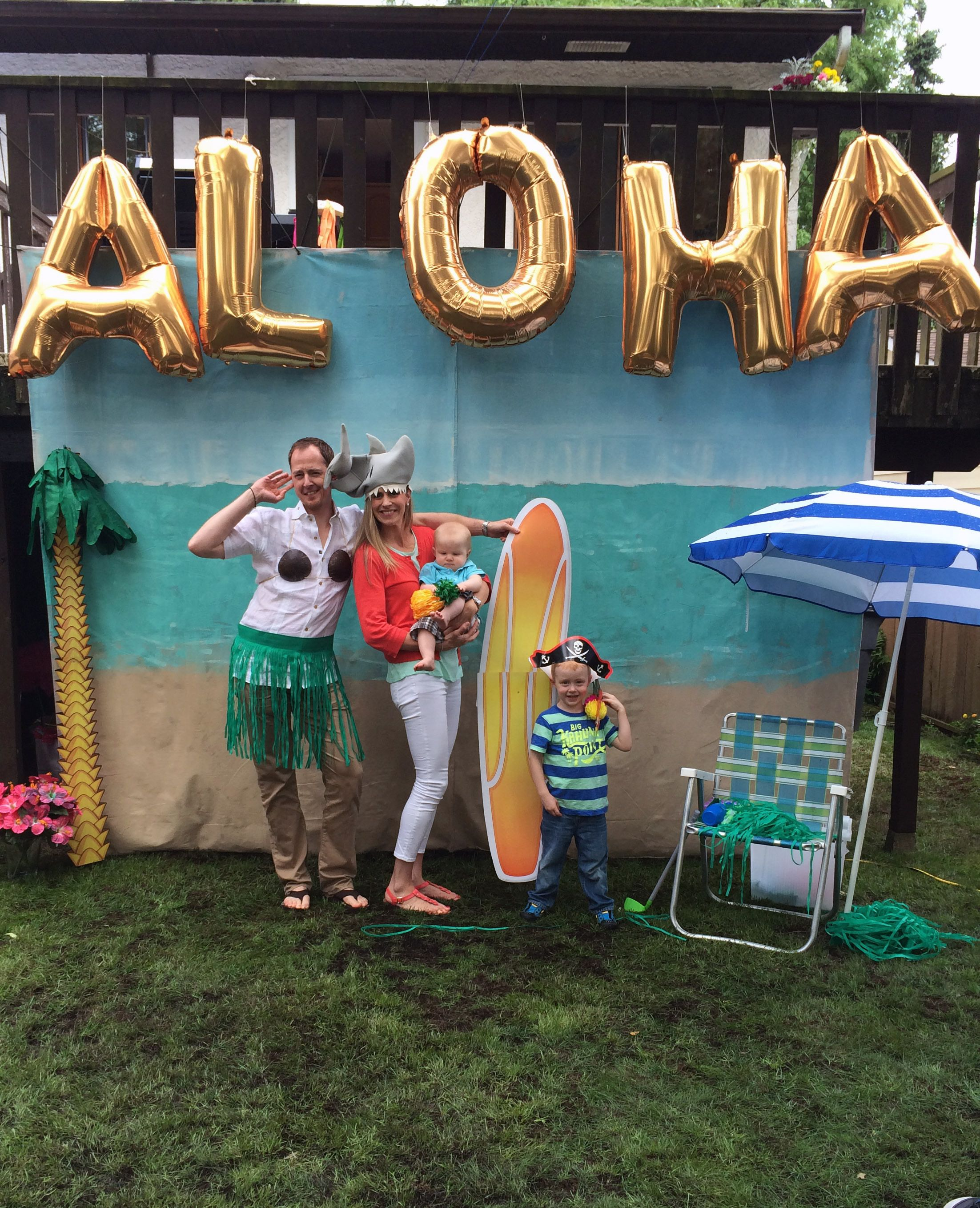 aloha indeed dig this beachy cool diy photo booth background idea