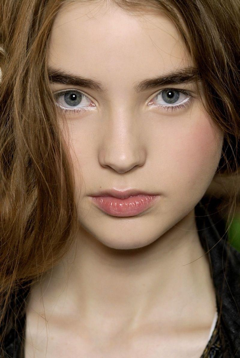 blanc Liner - 7  belles manières pour  Pimentez votre  maquillage... →   Makeup 4734e488b9b5