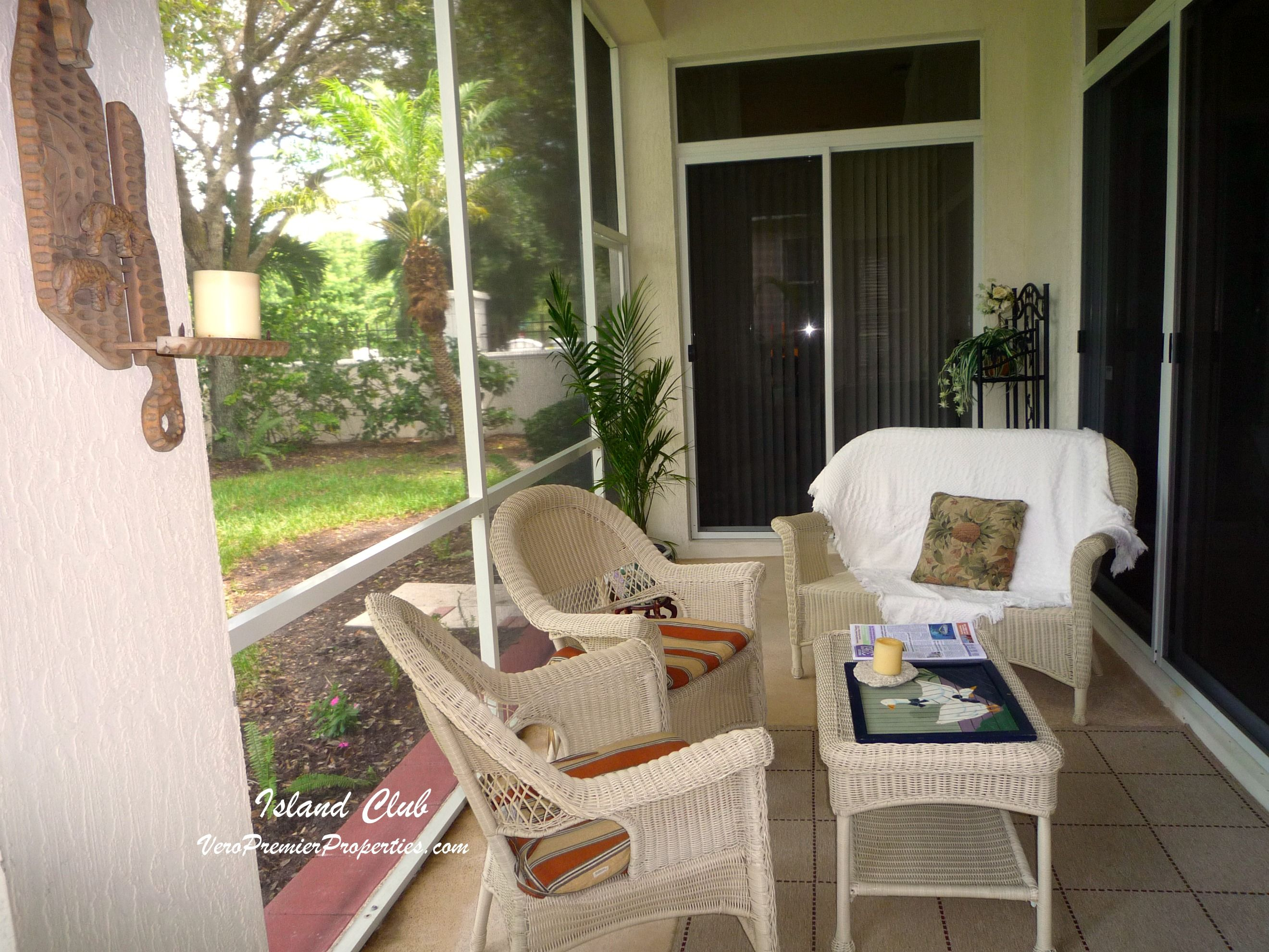 Island Club Of Vero Beach Florida   Many Homes Offer A Screened Patio For  Outdoor Living