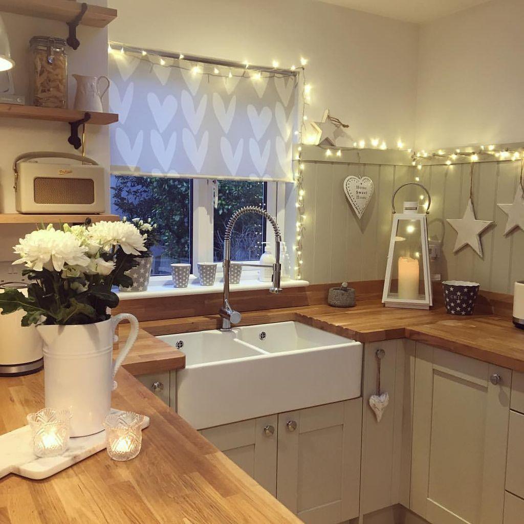 90 Adorable Rustic Christmas Kitchen Decoration IdeasHomeDecorish ...