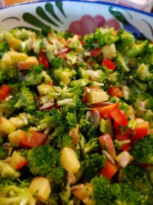 Brokkoli-Paprika-Apfel-Salat von Kuchen-Traum | Chefkoch