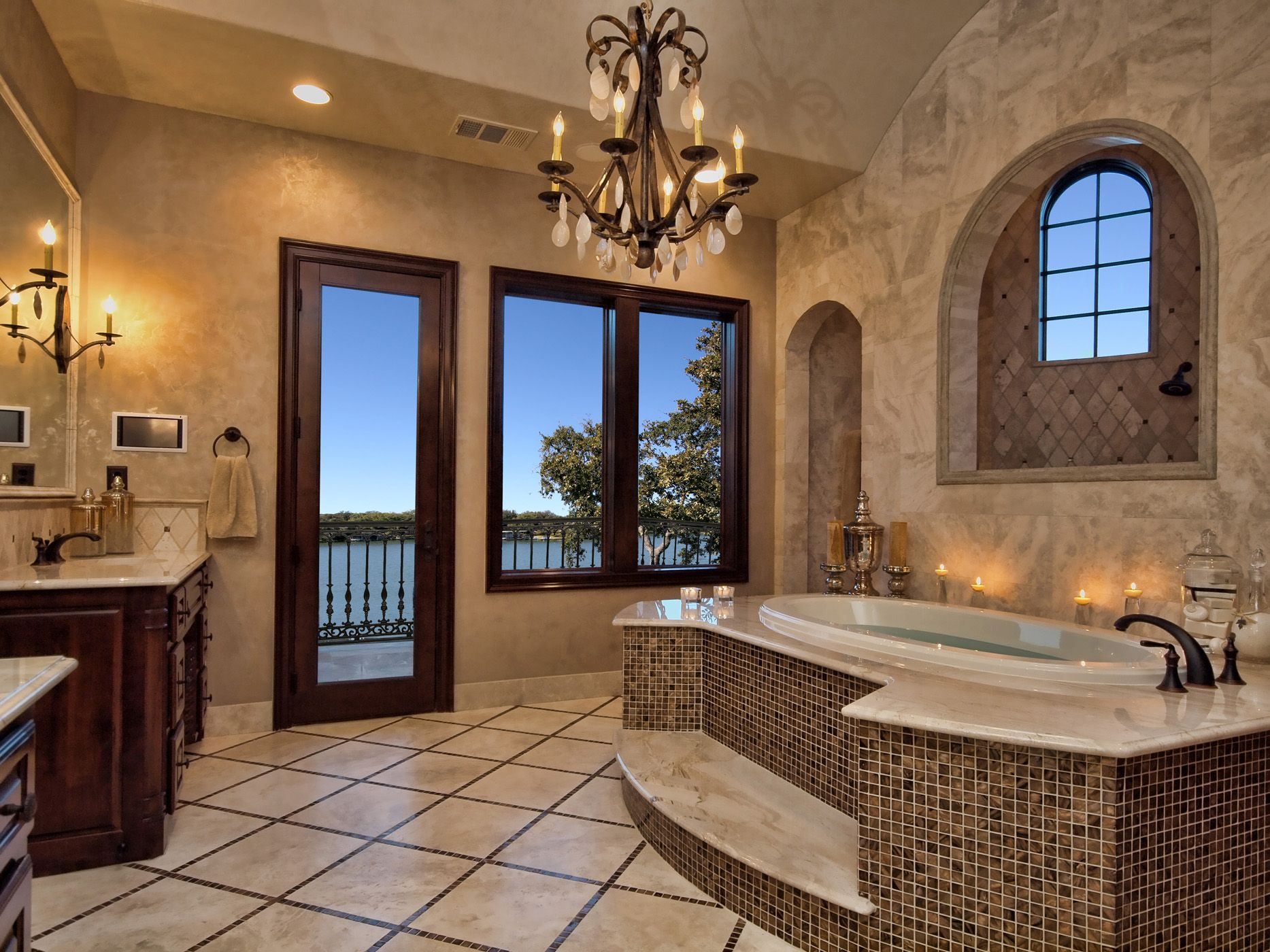 21 Luxury Mediterranean Bathroom Design Ideas | Luxury master ...