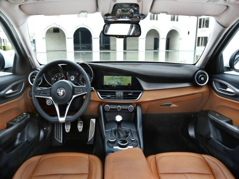 Leasing Alfa Romeo Car News And Expert Reviews In Alfa Romeo Giulia Quadrifoglio Lease Usa Alfa Romeo Giulia Quadrifoglio Alfa Romeo Giulia Alfa Romeo