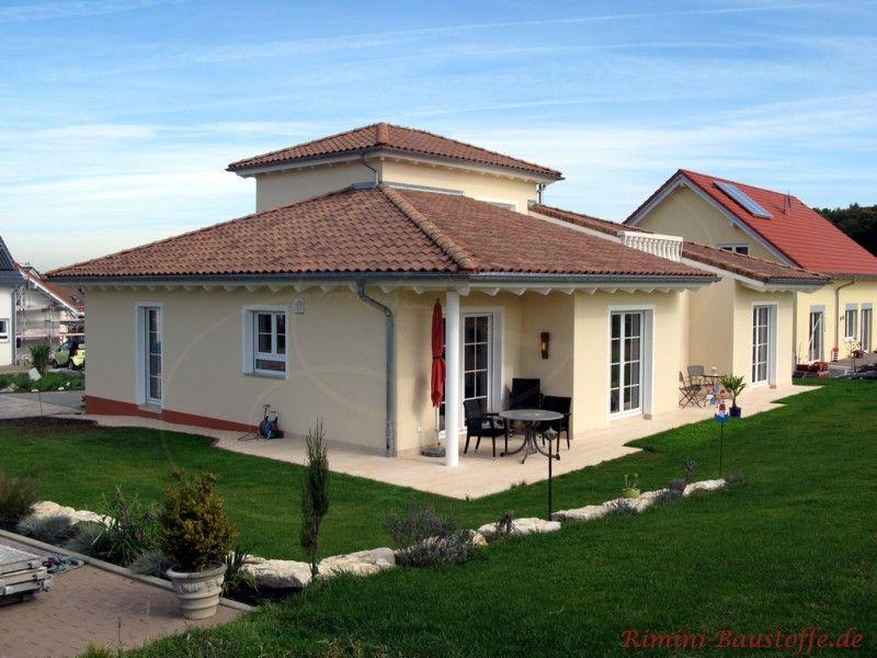 San marco farbe classico mediterraner bungalow mit turm for Toskana haus grundriss