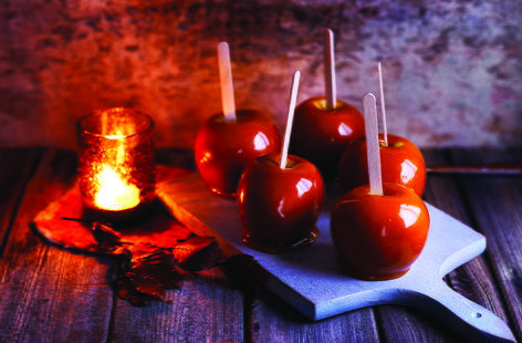 Salted caramel toffee apples #bonfirenightfood