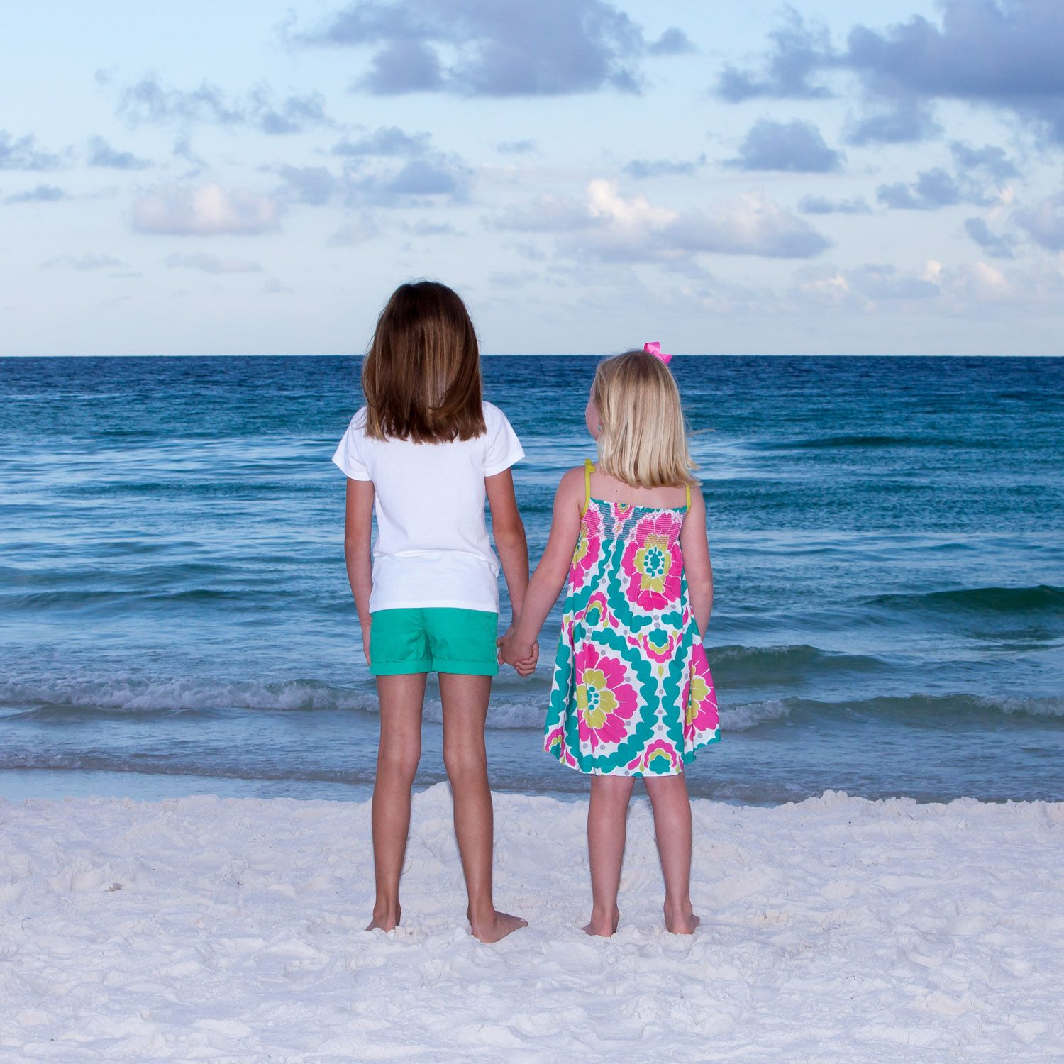 What to wear for beach portraits colors are fun but limit the patterns