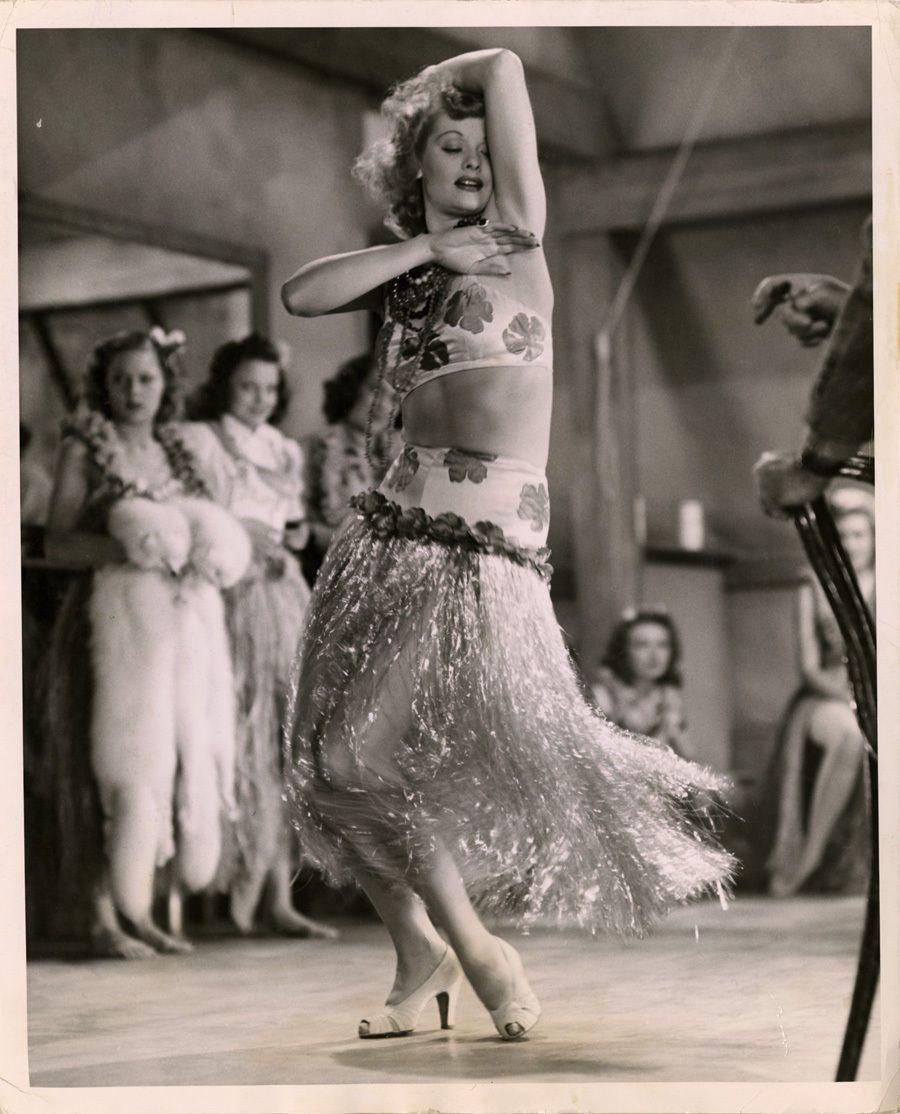 "1940 LUCILLE BALL HULA PHOTOGRAPH ""DANCE GIRL DANCE"" EARLY HOLLYWOOD RKO"
