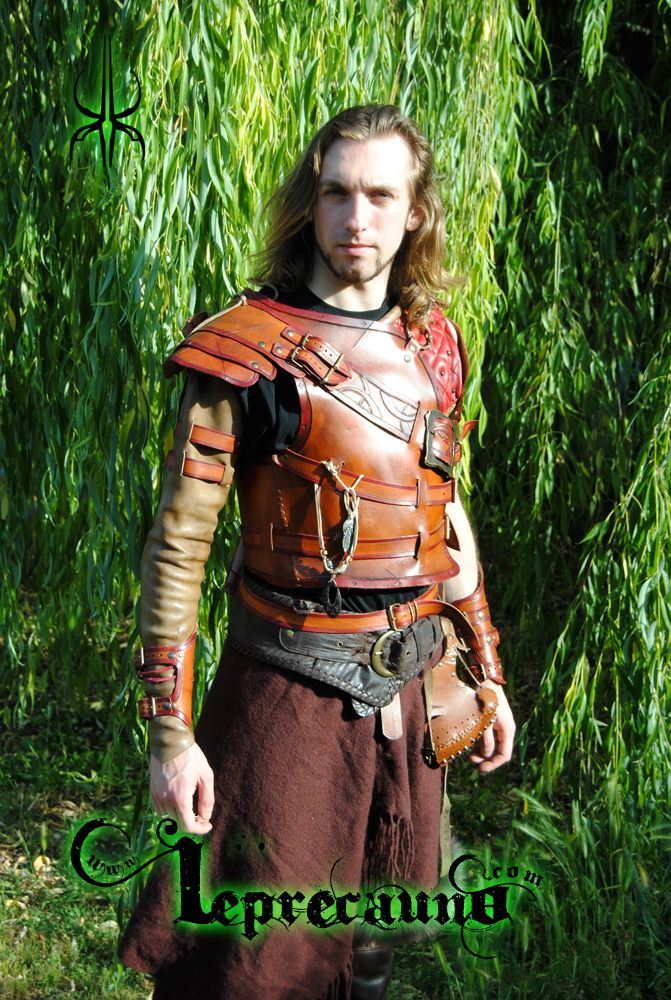 Inspired by wow druids, made by velvet, syntetyc fur, svarosky cristal and leather. Thanks to Alan Cappelli, the model, and flavio Mancinelli, the Photografer. Proudly made by Kloor'a'Kawn www.lepr...
