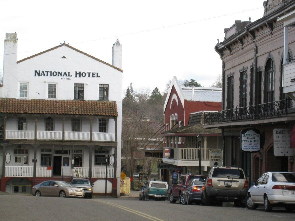 Historic National Hotel Circa 1852 In Downtown Jackson Ca Which Is Curly Being Completely Renovated From Goldcountrywinetours