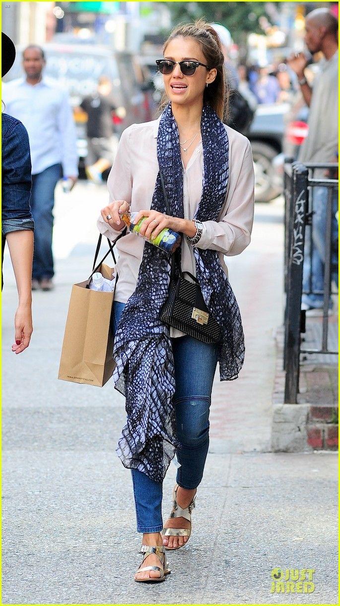 Jessica Alba Greta Gerwig Narciso Rodriguez Fashion Show 18 Jessica Alba Style Hd 1000 Pics