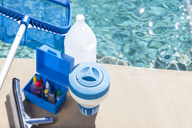 Equipo de limpieza para su piscina | Mantenimiento de piscinas ...