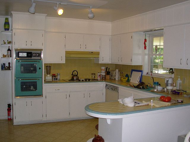 Lottaliving Com View Topic 1951 Turqoise Steel Turquoise Kitchen Cabinets Vintage Kitchen Cabinets Turquoise Kitchen Decor Mid Century Kitchen