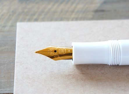I want this fancy Pen :)... yes.. pen.