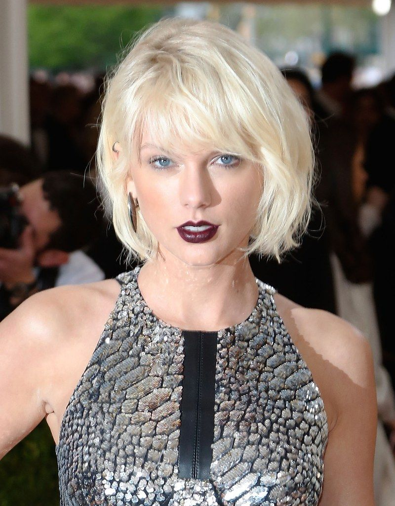 33 Celebrities Who Look Incredible With Platinum Hair Platinum Blonde Hair Color Platinum Blonde Hair Taylor Swift Bleached Hair