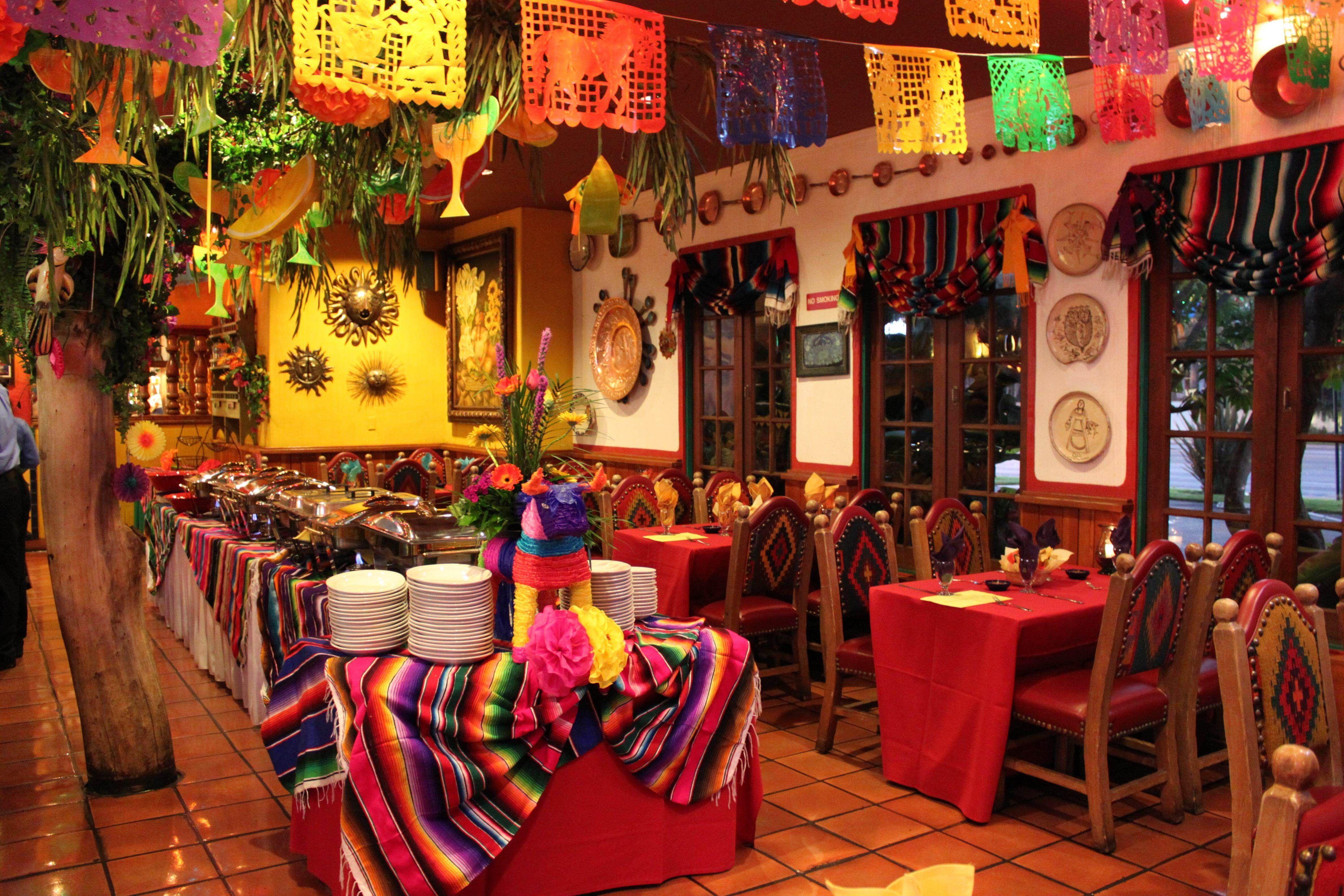 Cantina fiesta pinterest cantinas decoraciones for Ideas decoracion restaurante