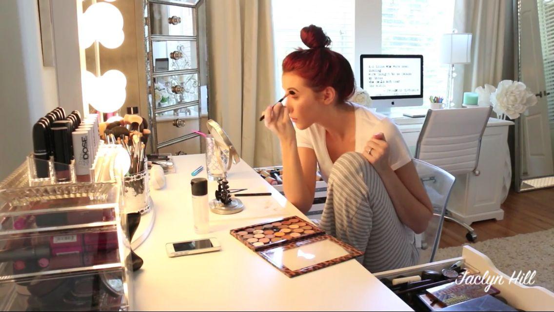 LOVE Jaclyn Hillu0027s beauty room / office!  sc 1 st  Pinterest & LOVE Jaclyn Hillu0027s beauty room / office! | tocadores | Pinterest ...