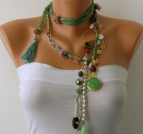 Etsy の White Pearl Handmade Beaded Chains by mislady