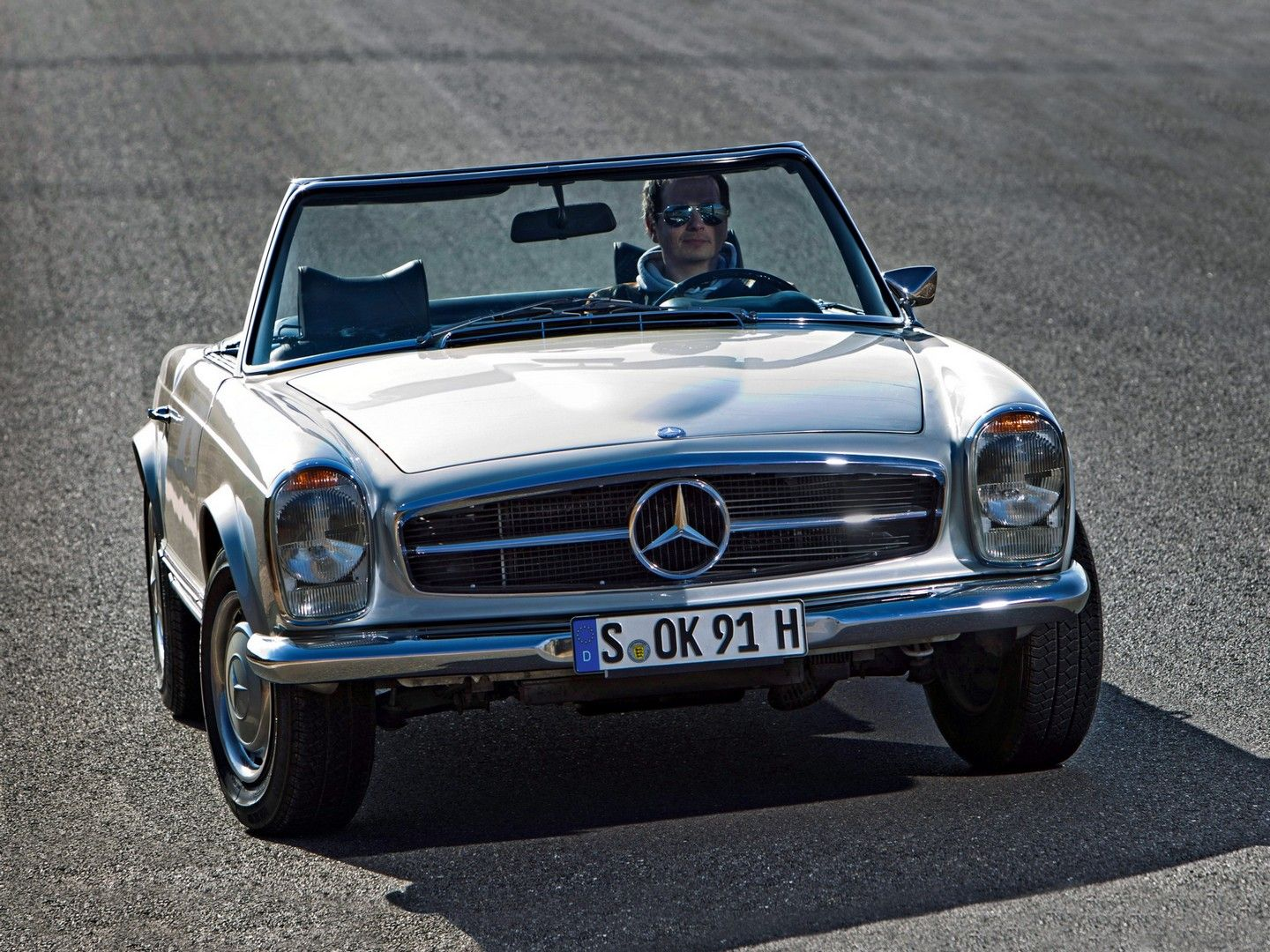 1968 Mercedes 280SL Pagoda This Easy Sports 2 Seater Mercedes 280SL Pagoda  With The Right