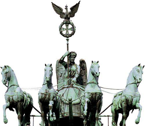 Berlin S Top 10 Brandenburger Tor Pariser Platz Berlin Sculptures Sculpture